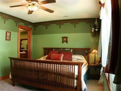 The Anniversary House Bed and